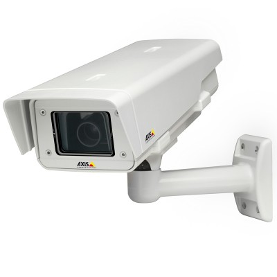 Axis P1353-E outdoor network camera with day and night, SVGA resolution, Lightfinder, auto-back focus, edge storage & PoE