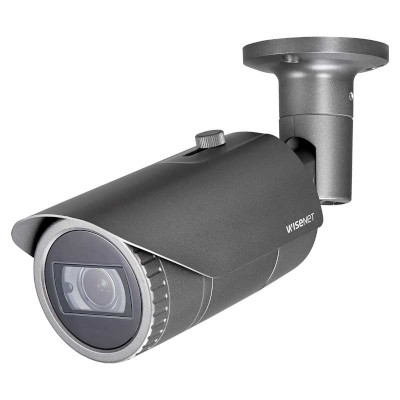 Wisenet QNO-8080R outdoor, vandal-resistant bullet IP camera with 5MP resolution, varifocal lens, up to 30m IR and PoE